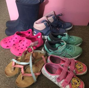 6 pairs of girl shoes 👟 bundle for Sale in Lawndale, CA