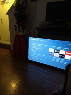 """50"""" OON WITH NETFLICK AND ROKU WITH REMOTE CONTROL for Sale in Murfreesboro,  TN"""