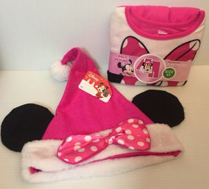 NEW Minnie Mouse PJ set & Christmas hat! for Sale in Green Bay, WI