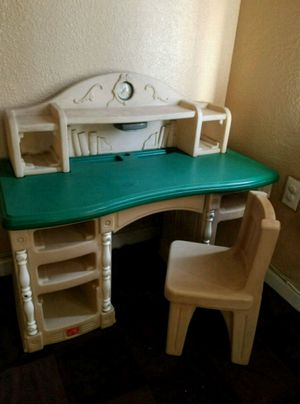 Kids Desk for Sale in Stockton, CA