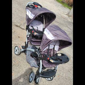 Baby stroller for Sale in Santa Clarita, CA