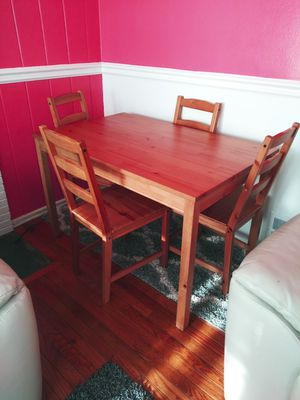 Kitchen table and chairs 4 for Sale in NEW CARROLLTN, MD
