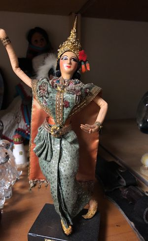 Gorgeous Egyptian collectible statue approximately 9 inches tall for Sale in Temecula, CA