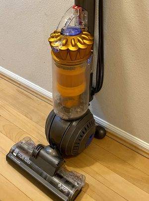 Dyson DC 40 vacuum only partial working for Sale in Bellevue, WA