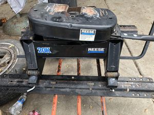 Reese 5th wheel hitch for Sale in Valley Springs, CA