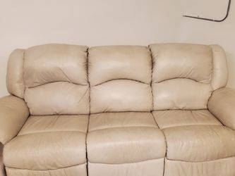 Leather Sofa And Arm Chair Electric for Sale in Tampa,  FL