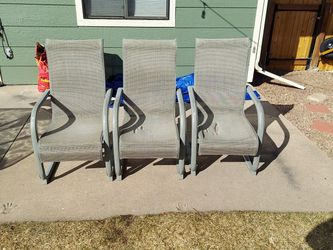 Patio Chairs (Free) for Sale in Colorado Springs,  CO