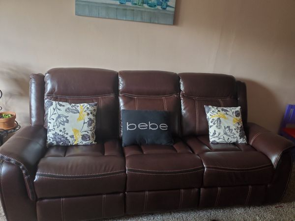 Hola vendo estos sofas. A mi cuesta 1800