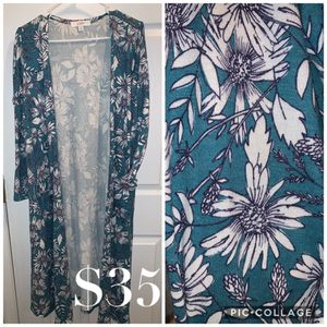 LulaRoe Sarah cardigans size MEDIUM (fits up to XL) for Sale in Bunker Hill, WV