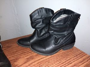 Girls black boots size 4 for Sale in Westland, MI