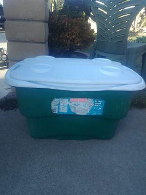 Rubbermaid Ice Chest/Cooler 50qts for Sale in La Mirada, CA