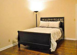 Queen bed for Sale in Charlottesville, VA