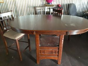 Table w/ 4 chairs for Sale in Auburndale, FL