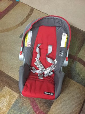 Graco Snugride rear facing car Seat for Sale in Richmond, VA