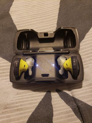 Bose soundsport wireless headphones for Sale in NEW PRT RCHY, FL