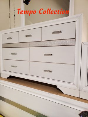 NEW, Miranda Dresser, White, SKU# 205113 for Sale in Fountain Valley, CA