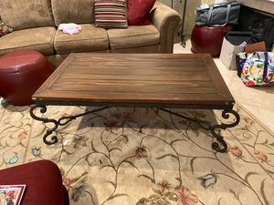 Coffee table + Side table for Sale in Chino Hills, CA