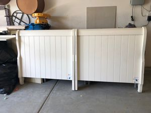 Twin bed frame w/ trundle-White for Sale in Chula Vista, CA