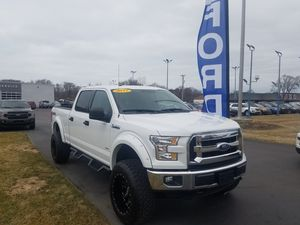 Lifted 2017 Ford F150 XLT for Sale in Grand Haven, MI