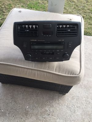 CD player.2002.2006 Lexus ES 330. for Sale in Plano, TX