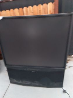 I pick up old tvs for free bigger the better for Sale in Hesperia,  CA