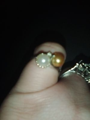 10k solid gold pearl diamond white gold ring size 7 for Sale in Perris, CA