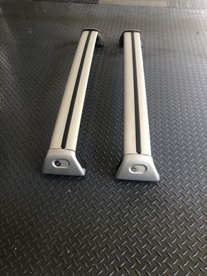 Porsche Cayenne roof rail cross bar OEM '03-'09. Locking. Key included. for Sale in Woodinville, WA