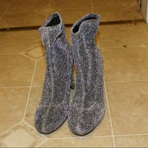 Michael Kors Size 10 Silver Sparkly Boots for Sale in Bridgeport, CT