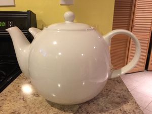 Whittard white porcelain tea pot for Sale in Silver Spring, MD