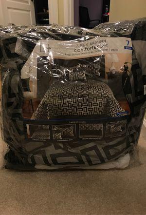 7 Piece Full/Queen Comforter Set for Sale in Glen Burnie, MD