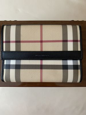 Authentic Burberry Wallet for Sale in West Bloomfield Township, MI