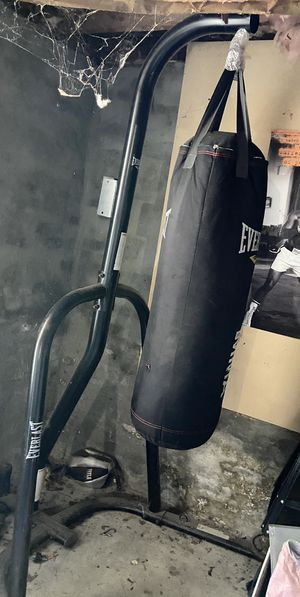 PUNCHING BAG & STAND , great shape $40 for Sale in Hudson, MA