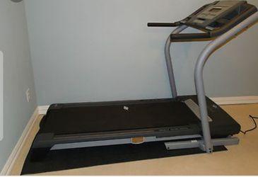 Treadmill NordicTrack C2500 for Sale in Vallejo,  CA
