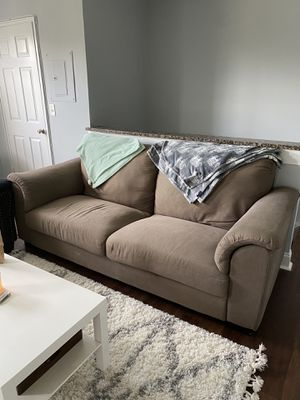 Couch for Sale in Arlington, VA