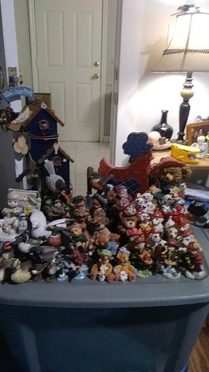 45+ Misc. Figures , Wood Wall Hanging Decor & Vintage Decor Plate all ate in good condition no cracks or chips for Sale in North Charleston, SC
