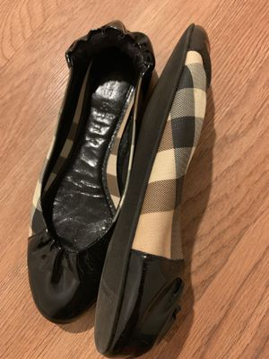 100% authentic Burberry flat. Size 37 for Sale in North Potomac, MD