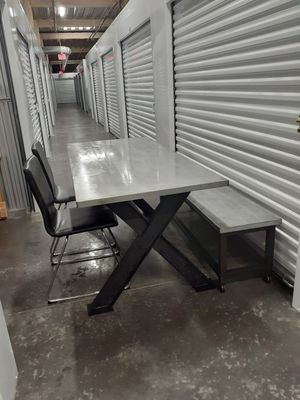 Metal Dining table for Sale in Tampa, FL