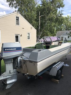 1979 16 ft Chrysler Tri-hull for Sale in Little Chute, WI