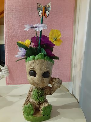 """Two Grut flower pot holder's 8"""" 1/2 inches tall $10.each for Sale in Phillips Ranch, CA"""
