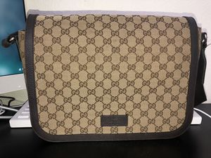 Authentic Gucci Messenger bag with dust cover bag for Sale in Chula Vista, CA