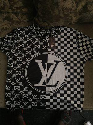 Brand new Louis Vuitton 💦 2xl Shirt for Sale in Saint Petersburg, FL
