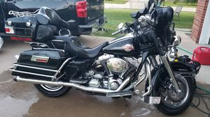 Harley Davidson electra glide ultra classic for Sale in Saint Robert, MO