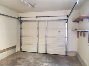 Garage door repair for Sale in South Gate, CA