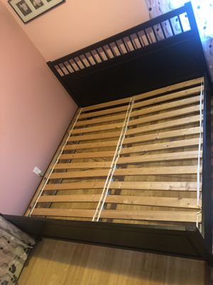 Bed frame KING size for Sale in Queens, NY