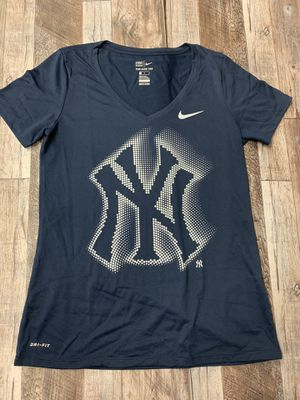 Nike New York yankees tee for Sale in Plymouth Meeting, PA