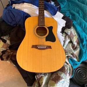 Acoustic Guitar for Sale in Fort Lauderdale, FL