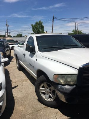 2004 Dodge Ram (everything works but not the AC) for Sale in Arlington, TX