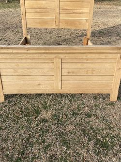 Queen Bed Fame for Sale in Broadway,  NC