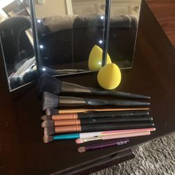 Makeup Essentials - Light Up Mirror, Beauty Blender, 9 Assorted Brushes for Sale in Santee,  CA