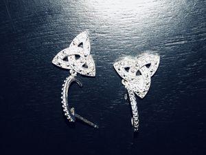 Diamond earrings small for Sale in Glendale, WI